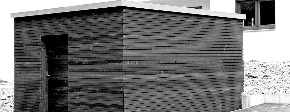 Geräteschuppen und Gartenhaus aus Holz.